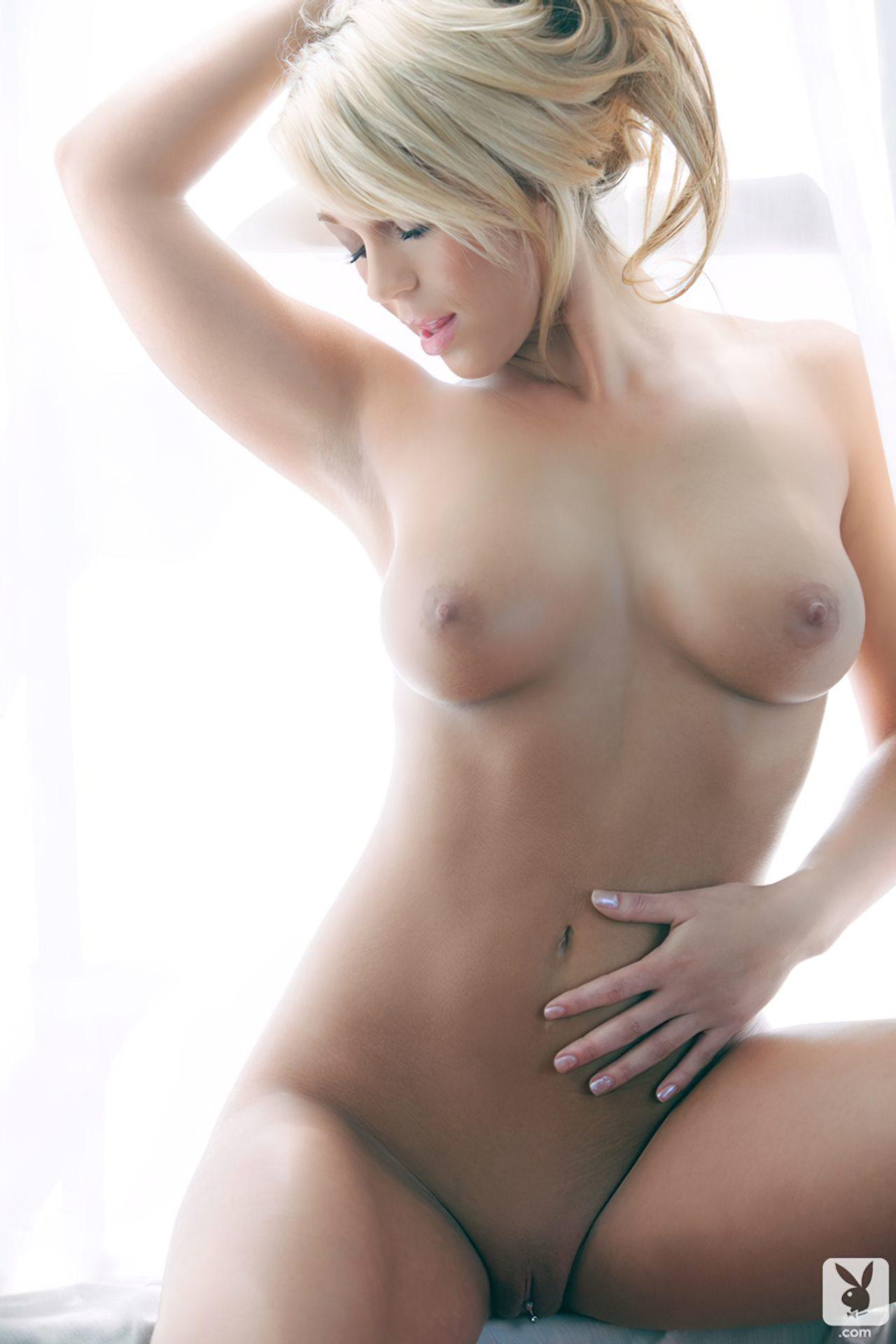 Krystal Lyne (25)