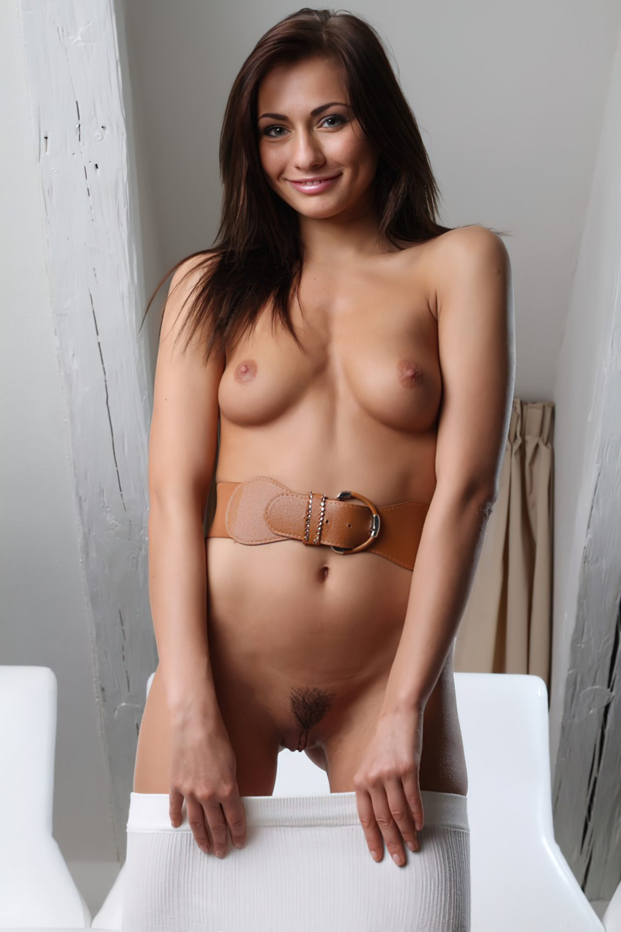 Michaela Isizzu (24)