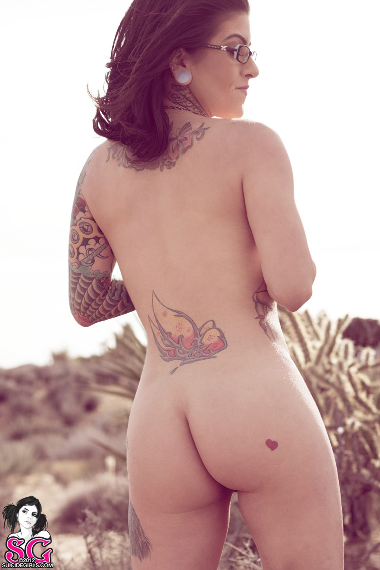 Olivia Black (33)