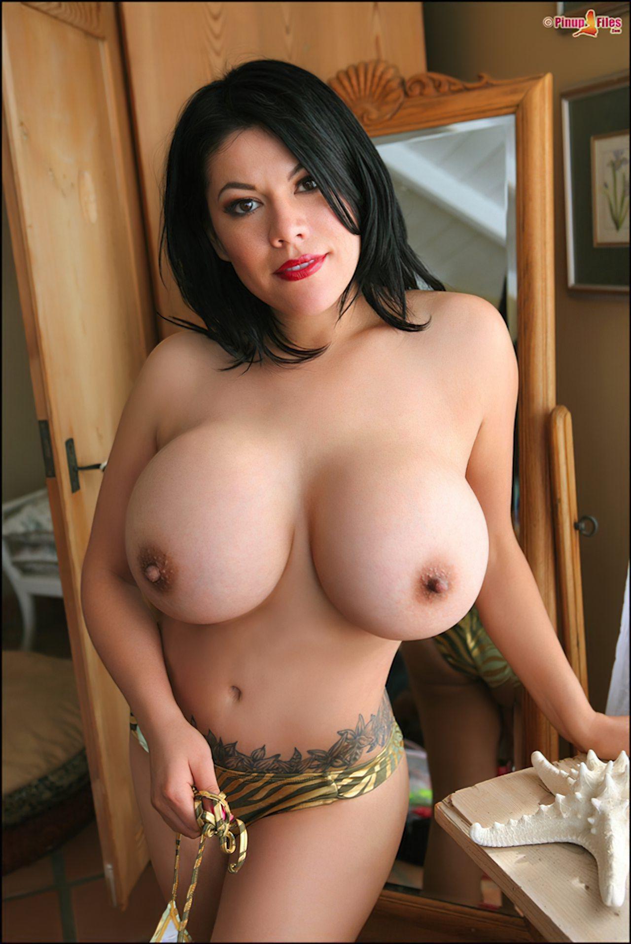 mulheres da largos peitos ...  - Página 4 Mamas-grandes-09