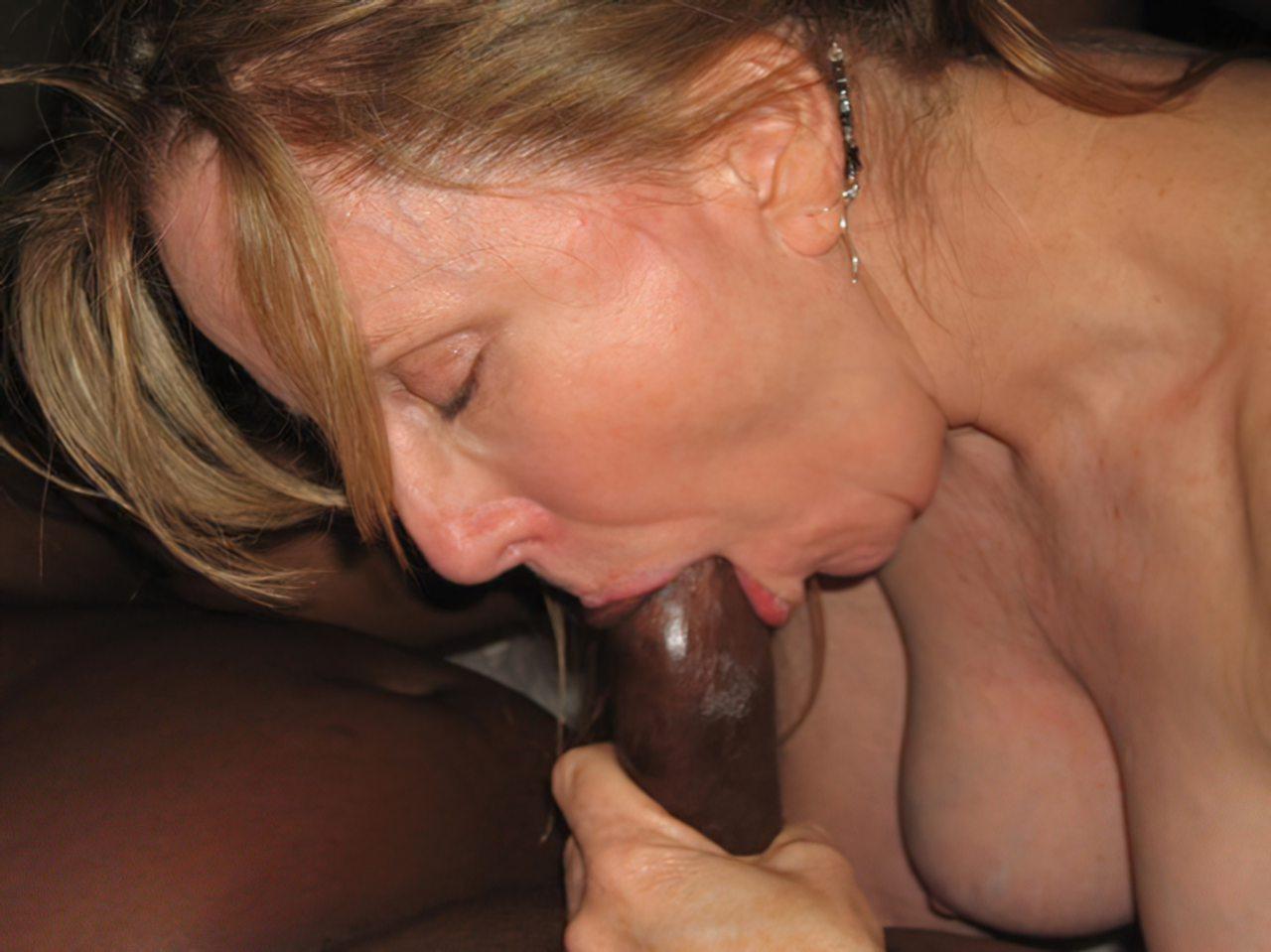 Mulher Fodendo Negro (41)