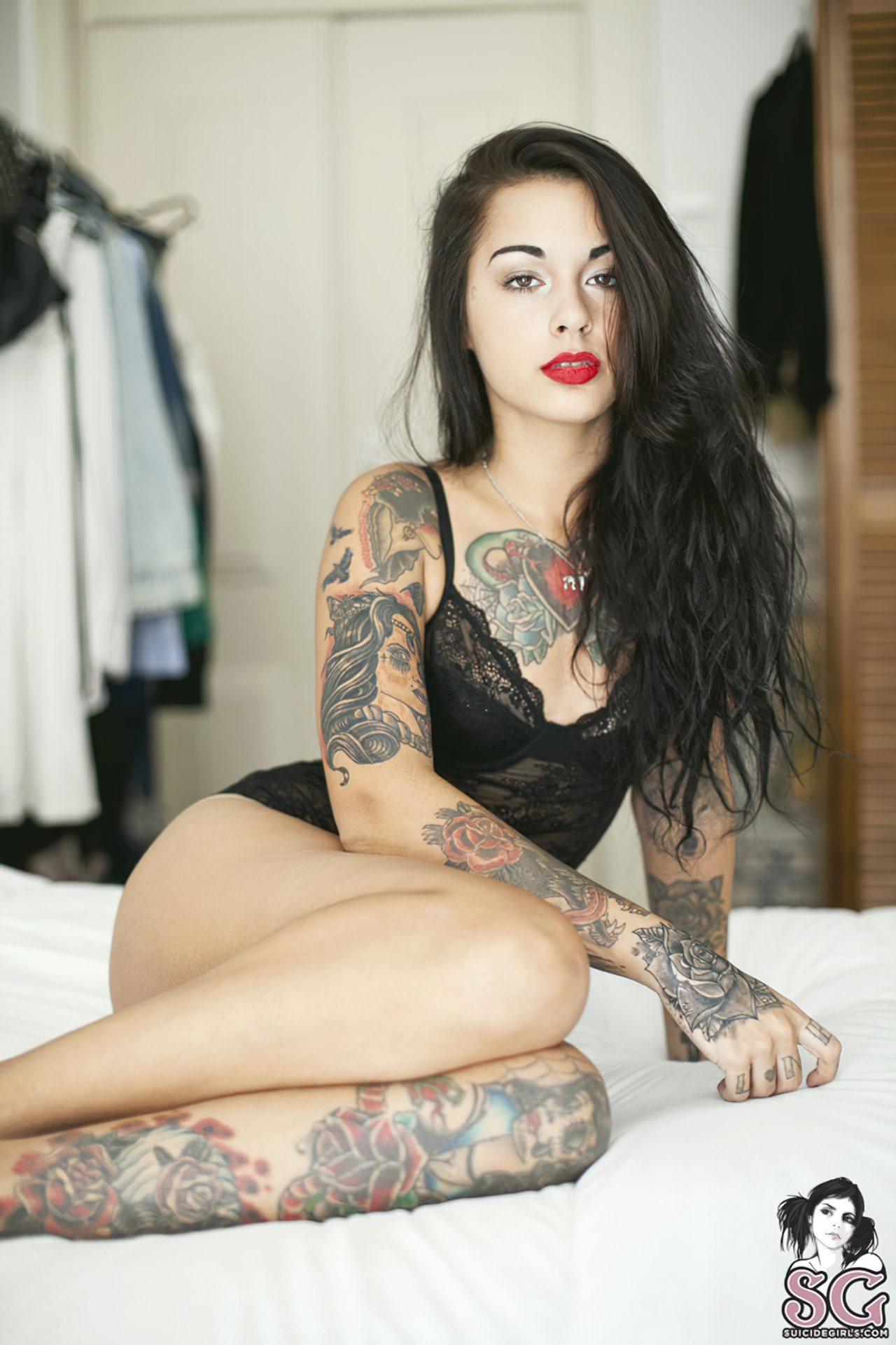 Mulher Tatuagem (1)