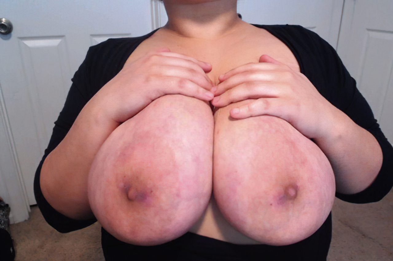 Jenifer amo peitos enormes