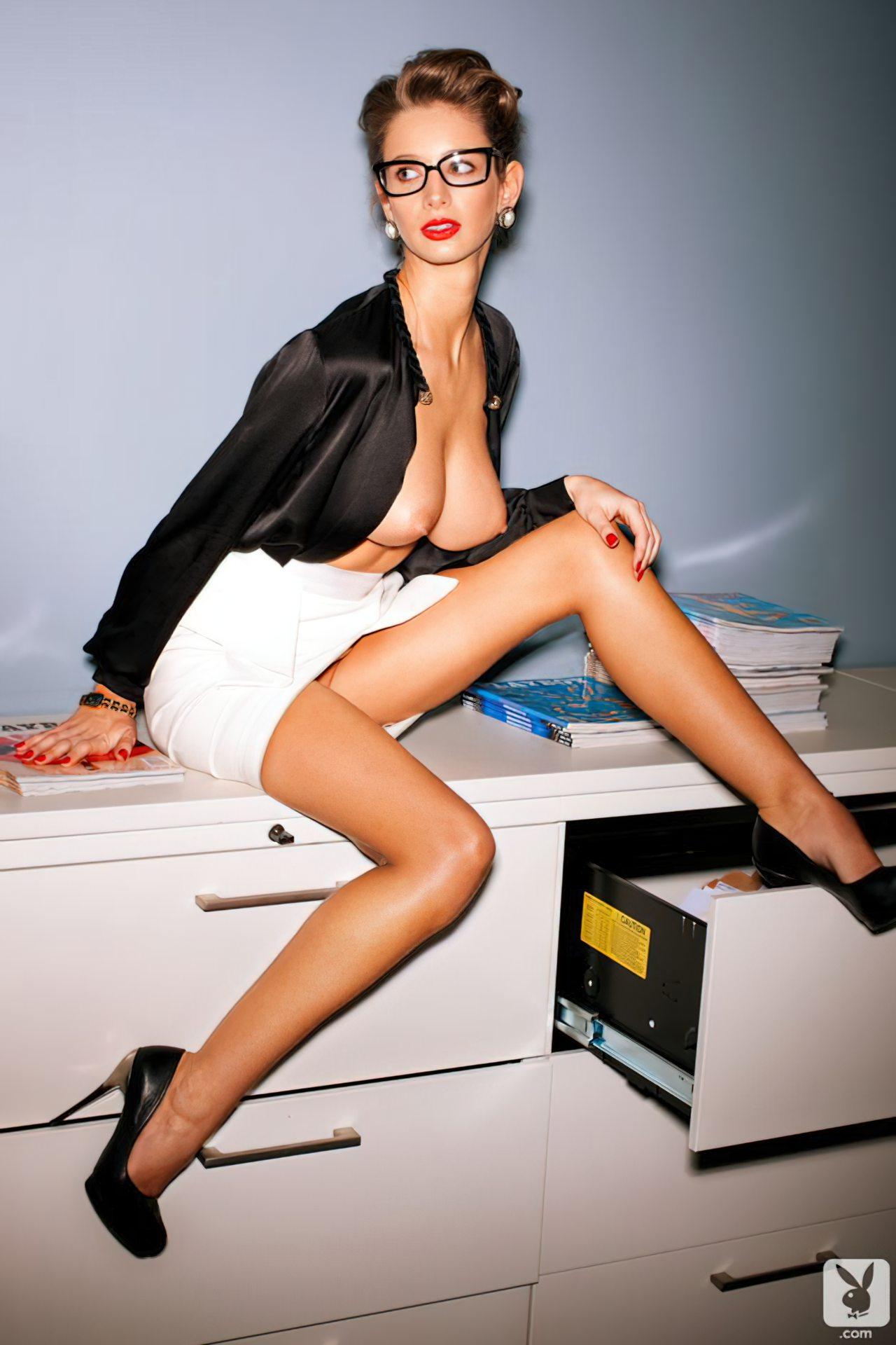 Secretária Sem Vergonha (2)