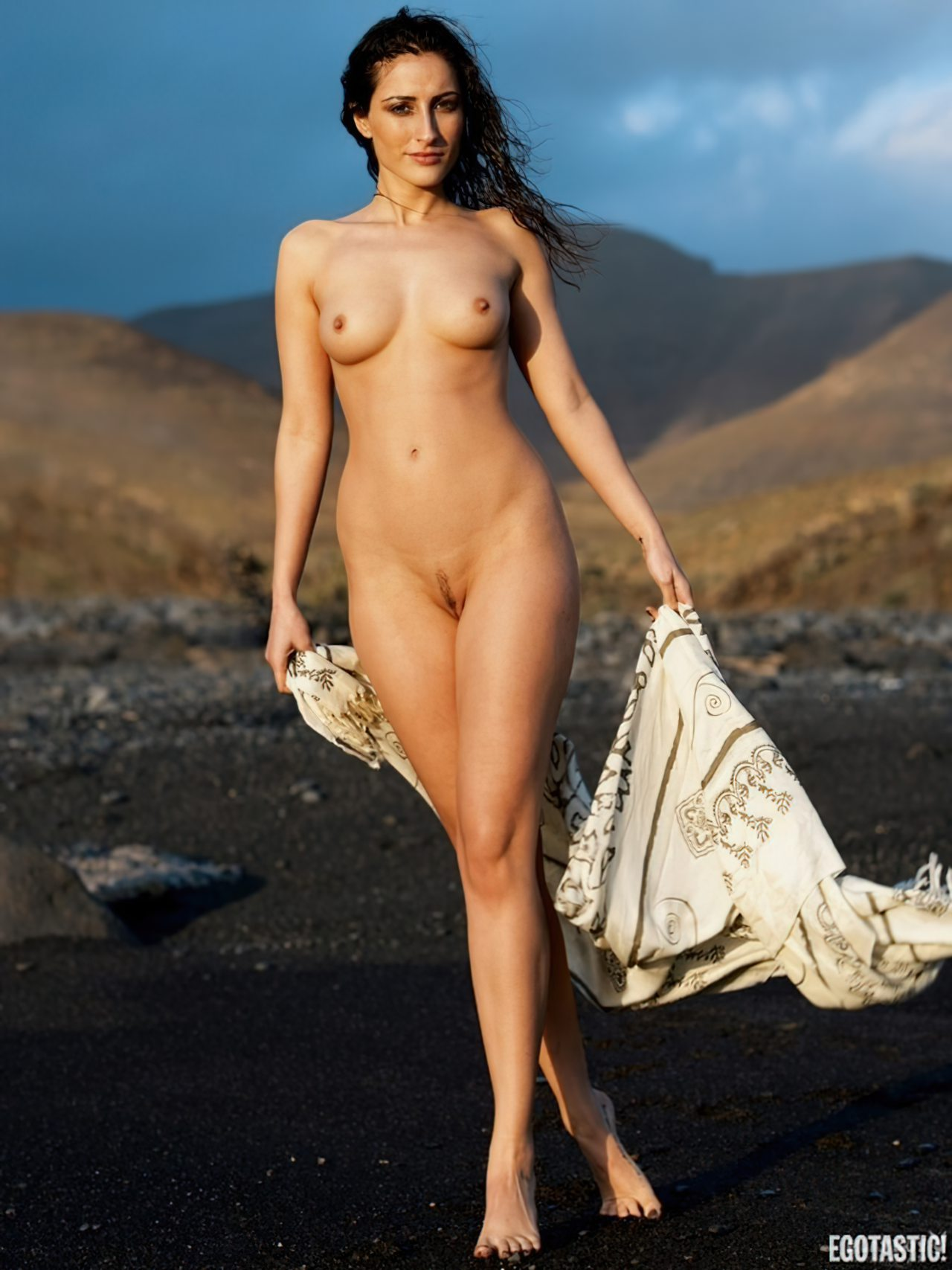 Aylin Alp Nua (14)