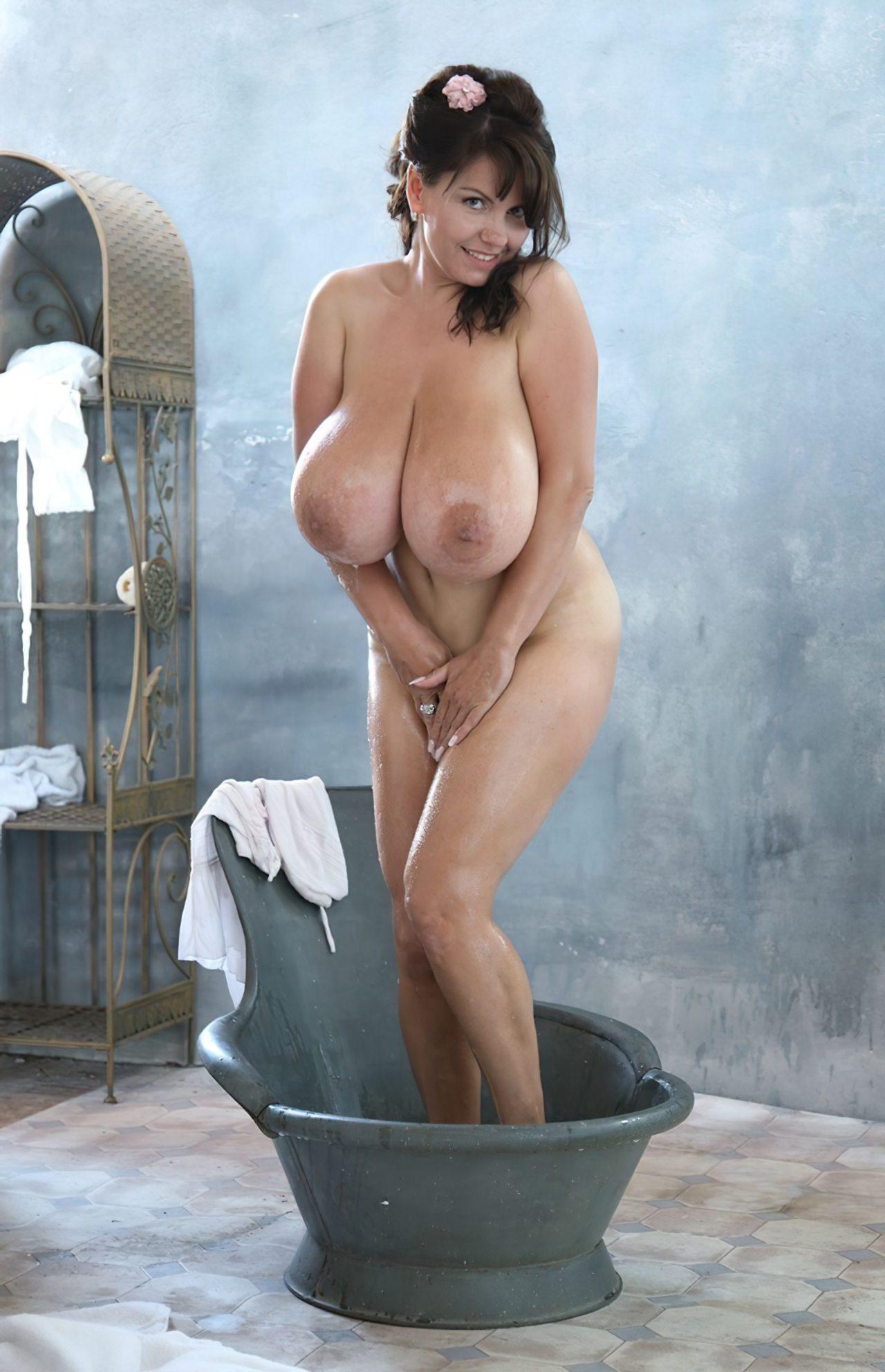 Melina Velba Mamas (2)