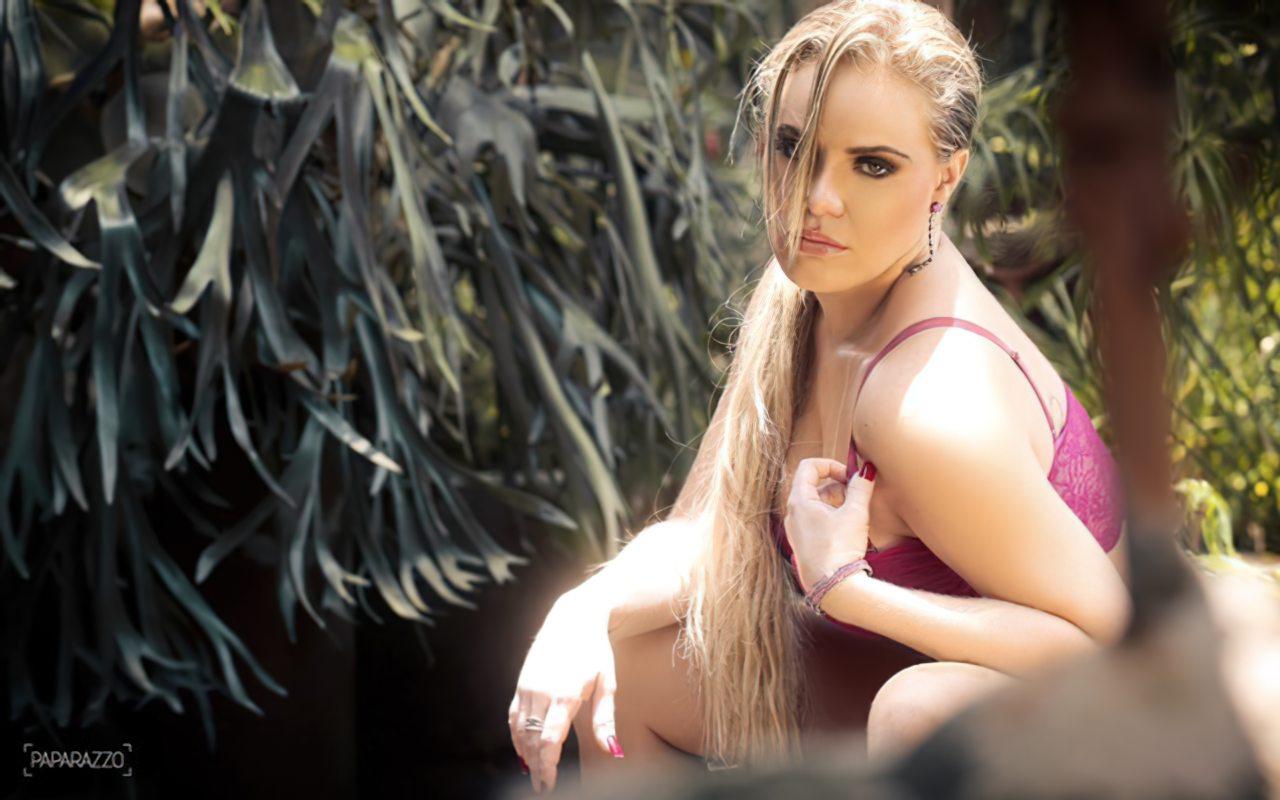Paulinha Leite Nua (19)