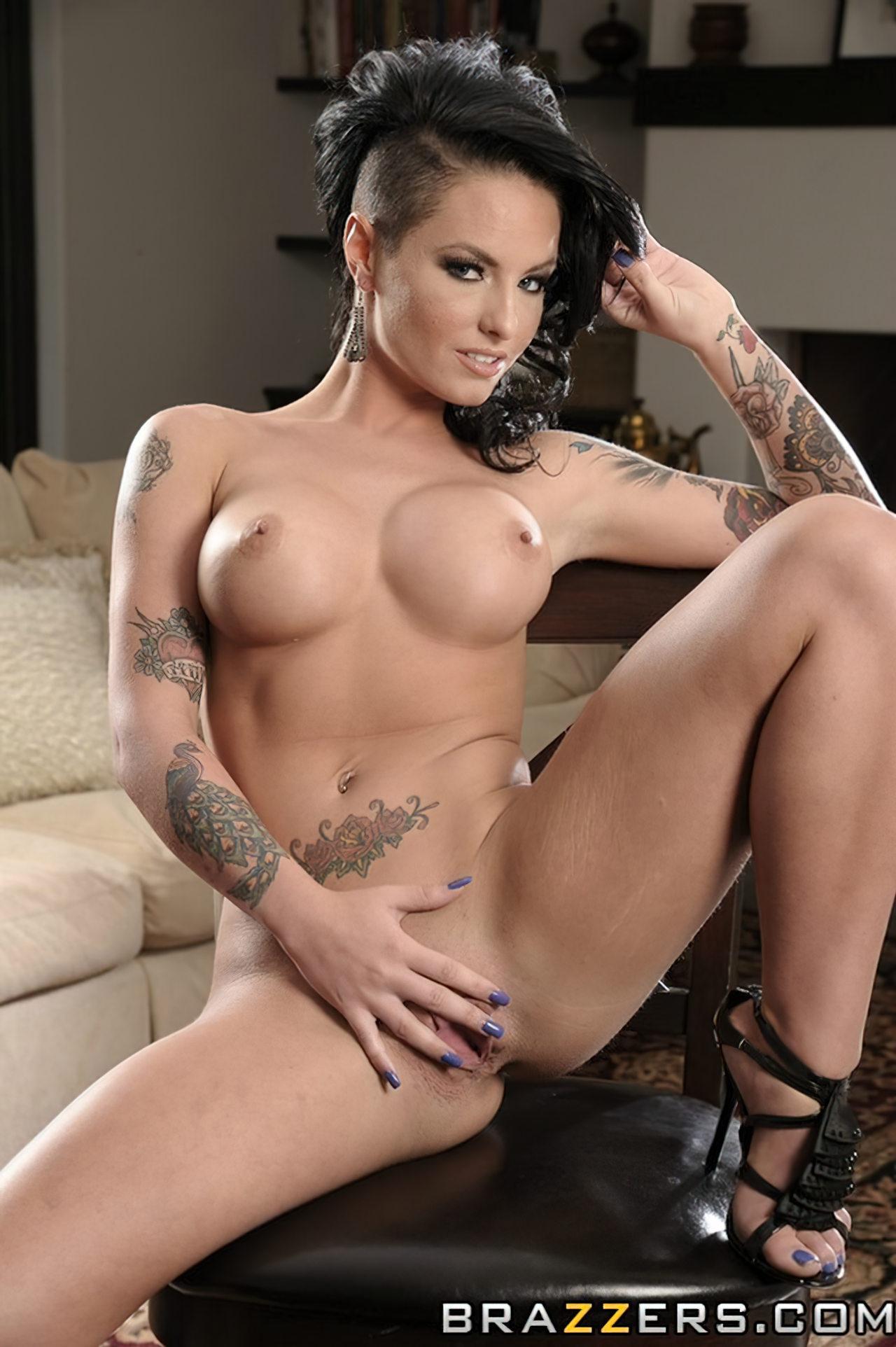 Christy Mack Nua (31)