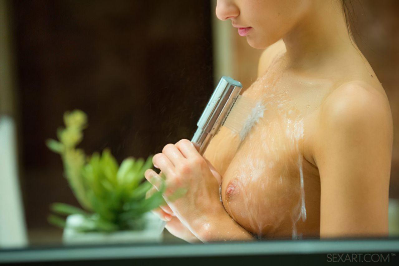 Gostosa no Banho (2)
