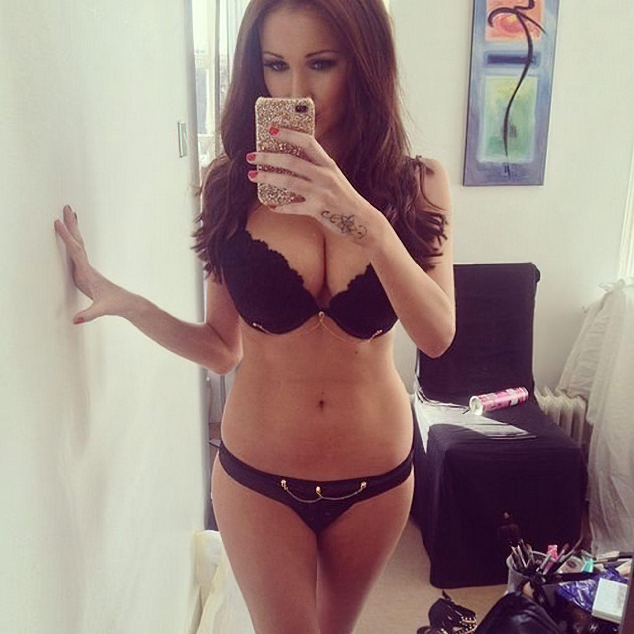 Libby Smith Sexy (24)