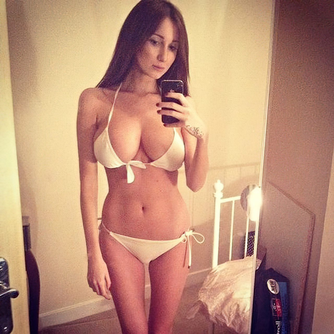 Libby Smith Sexy (25)