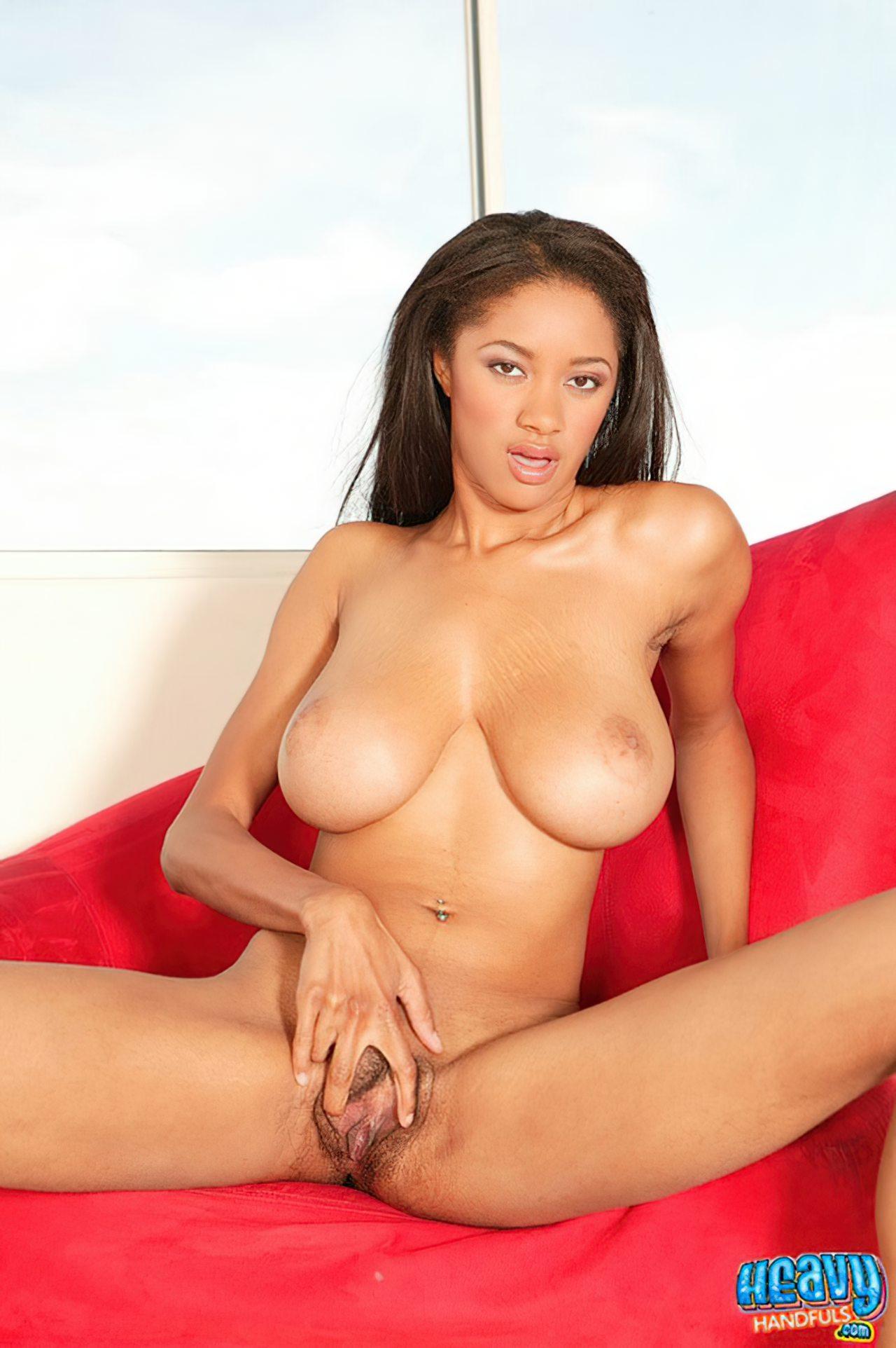 Tyra Moore (11)