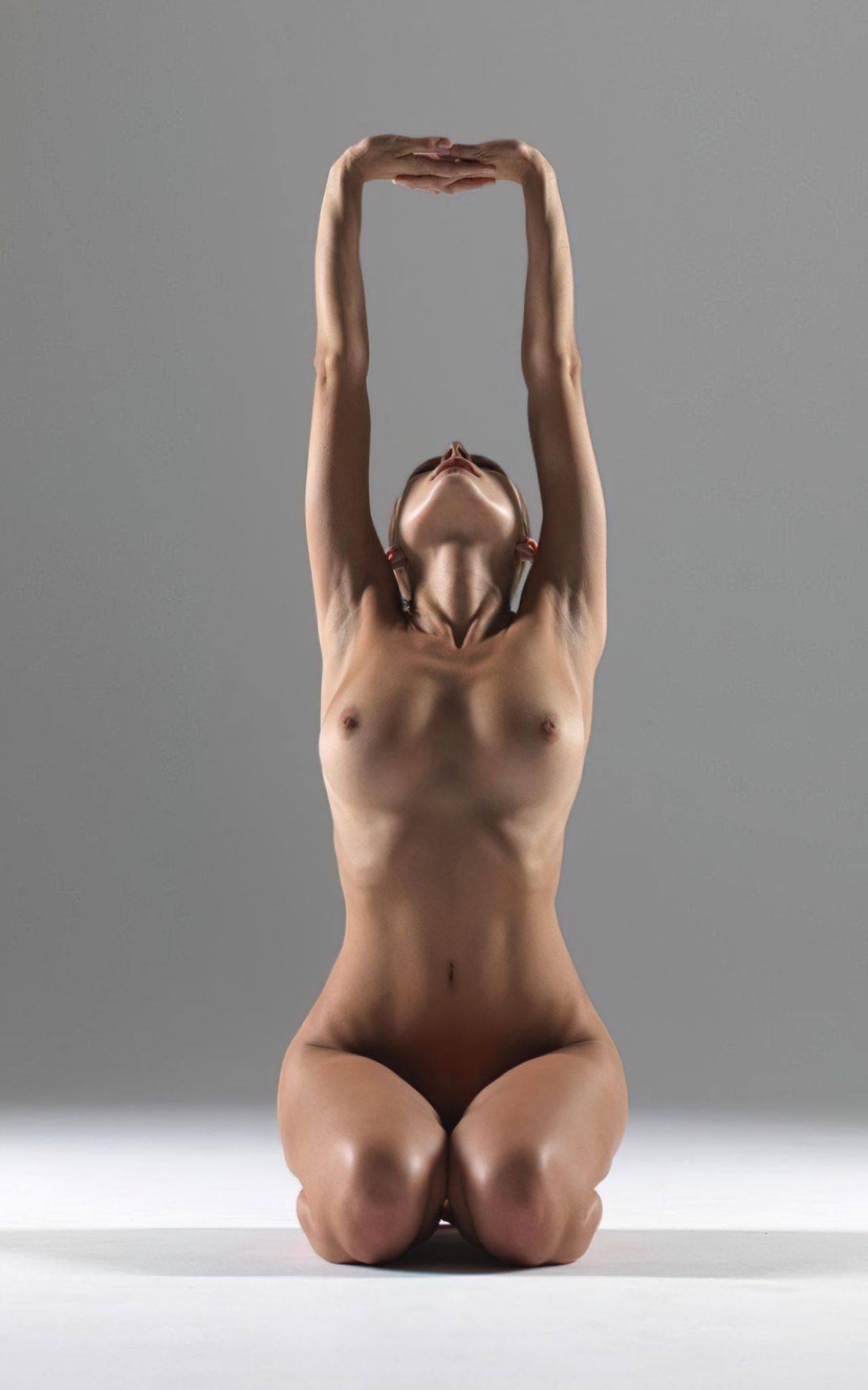 Yoga Nua (1)