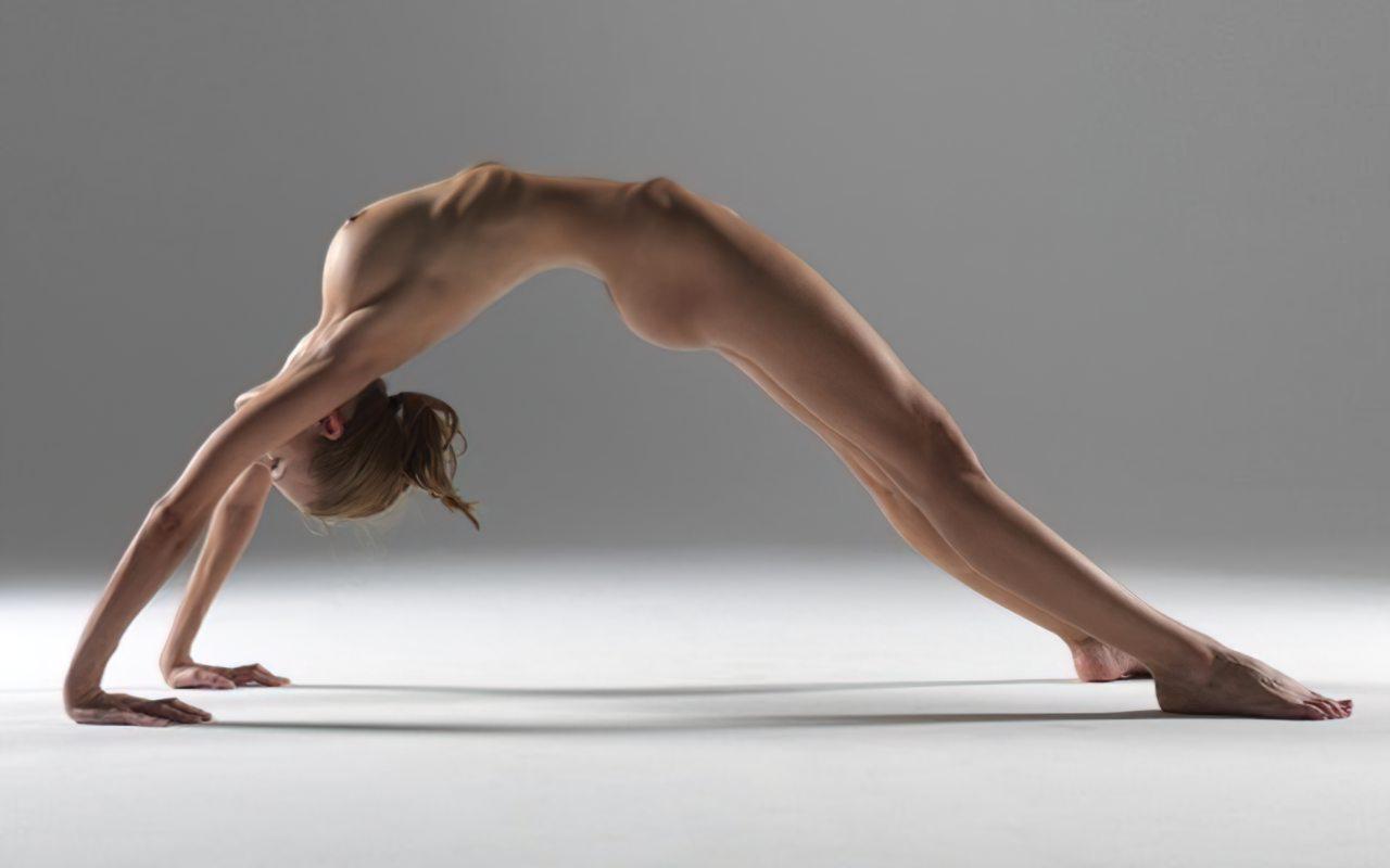 Yoga Nua (4)