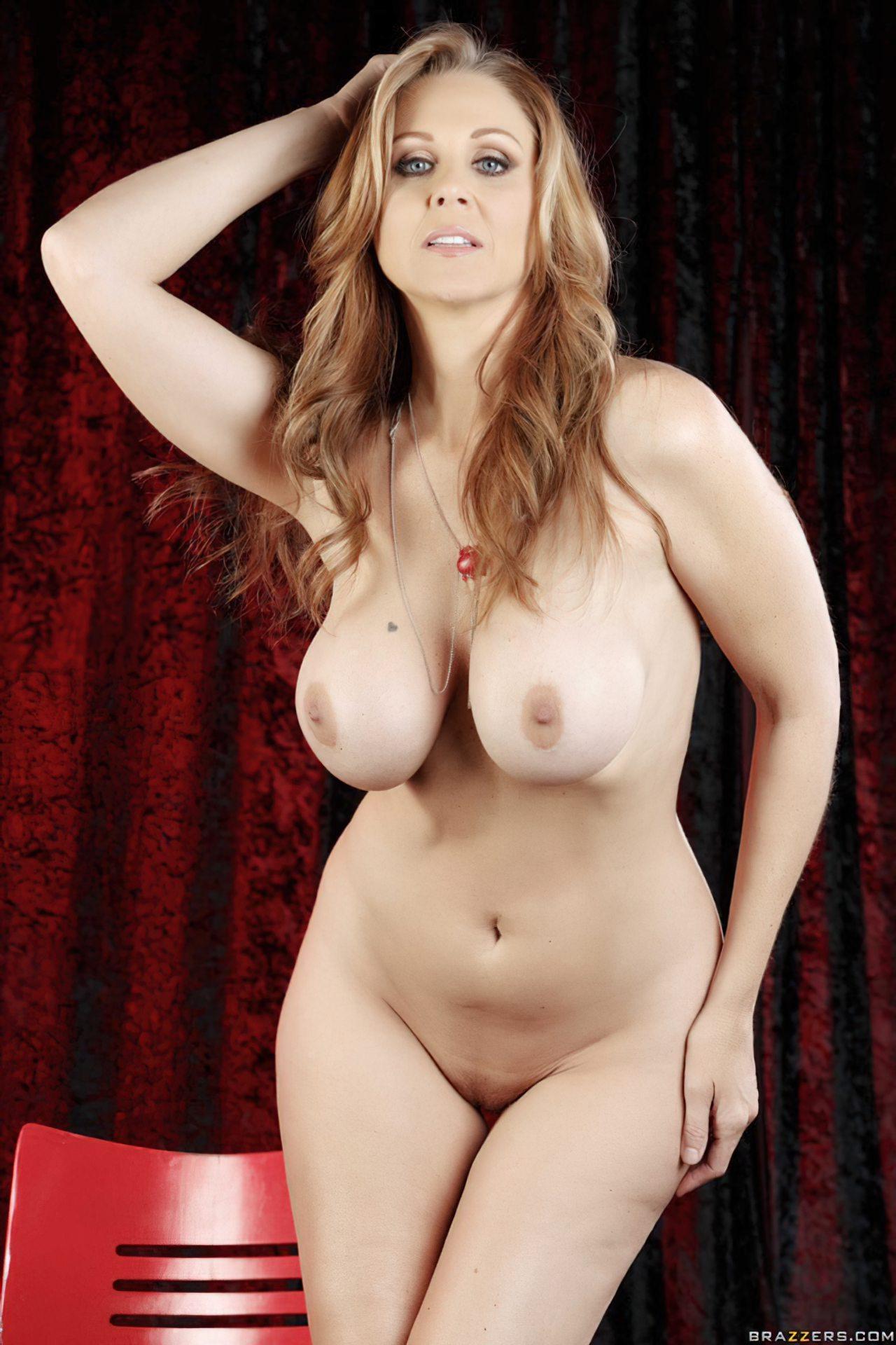 Julia Ann (1)