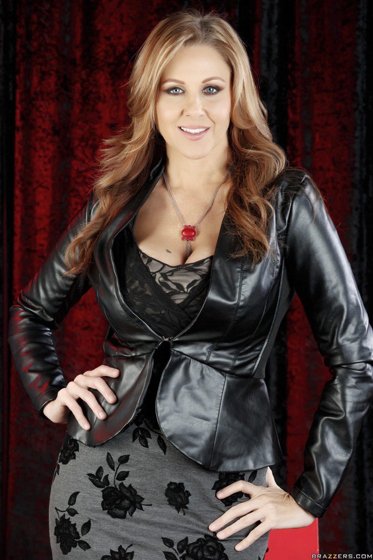 Julia Ann (2)