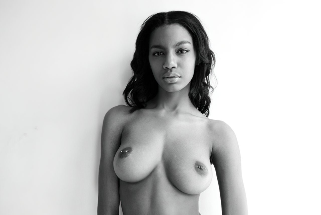 Ebonee Davis (26)
