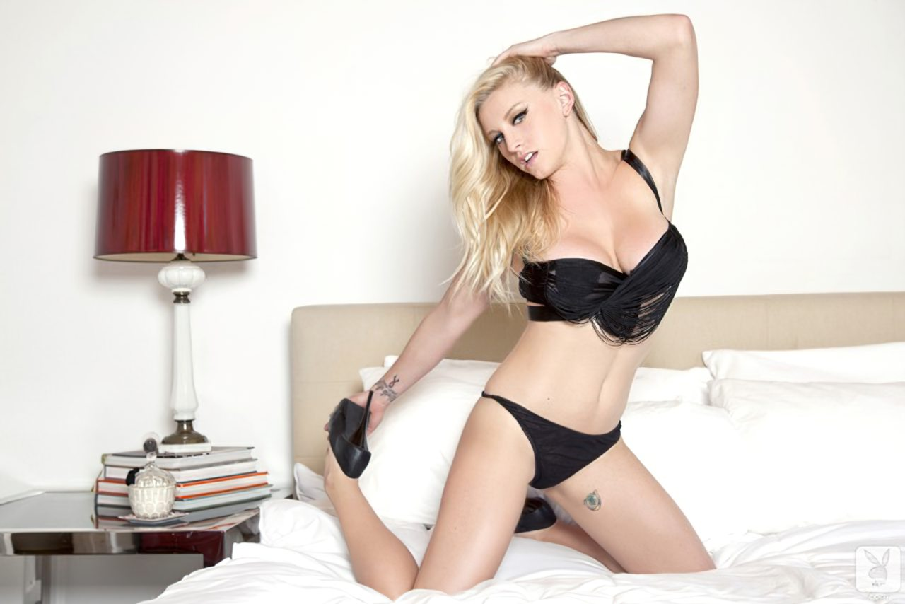 Kari Nautique Playboy (8)