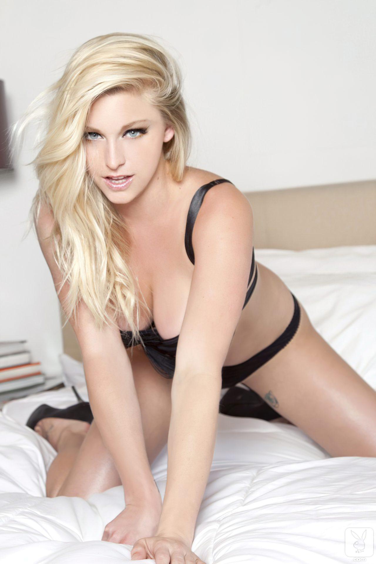 Kari Nautique Playboy (10)
