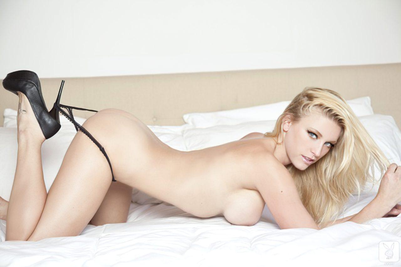 Kari Nautique Playboy (16)