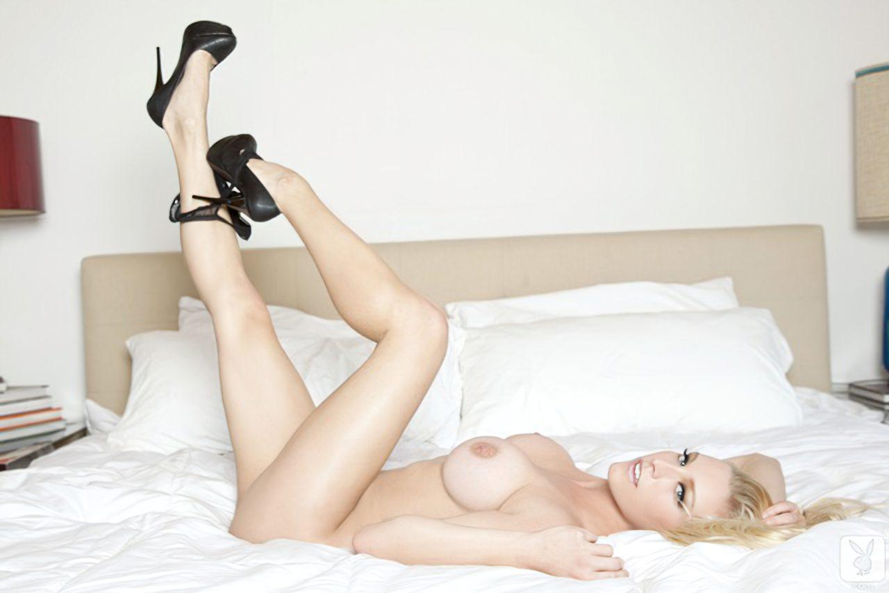 Kari Nautique Playboy (18)