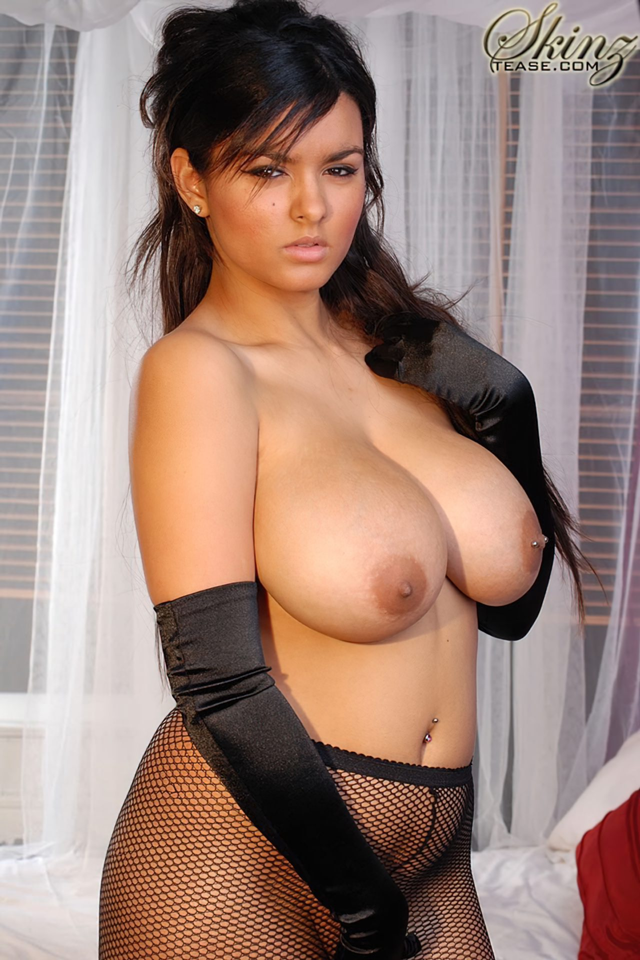 Kelley Scarlett Nua (3)