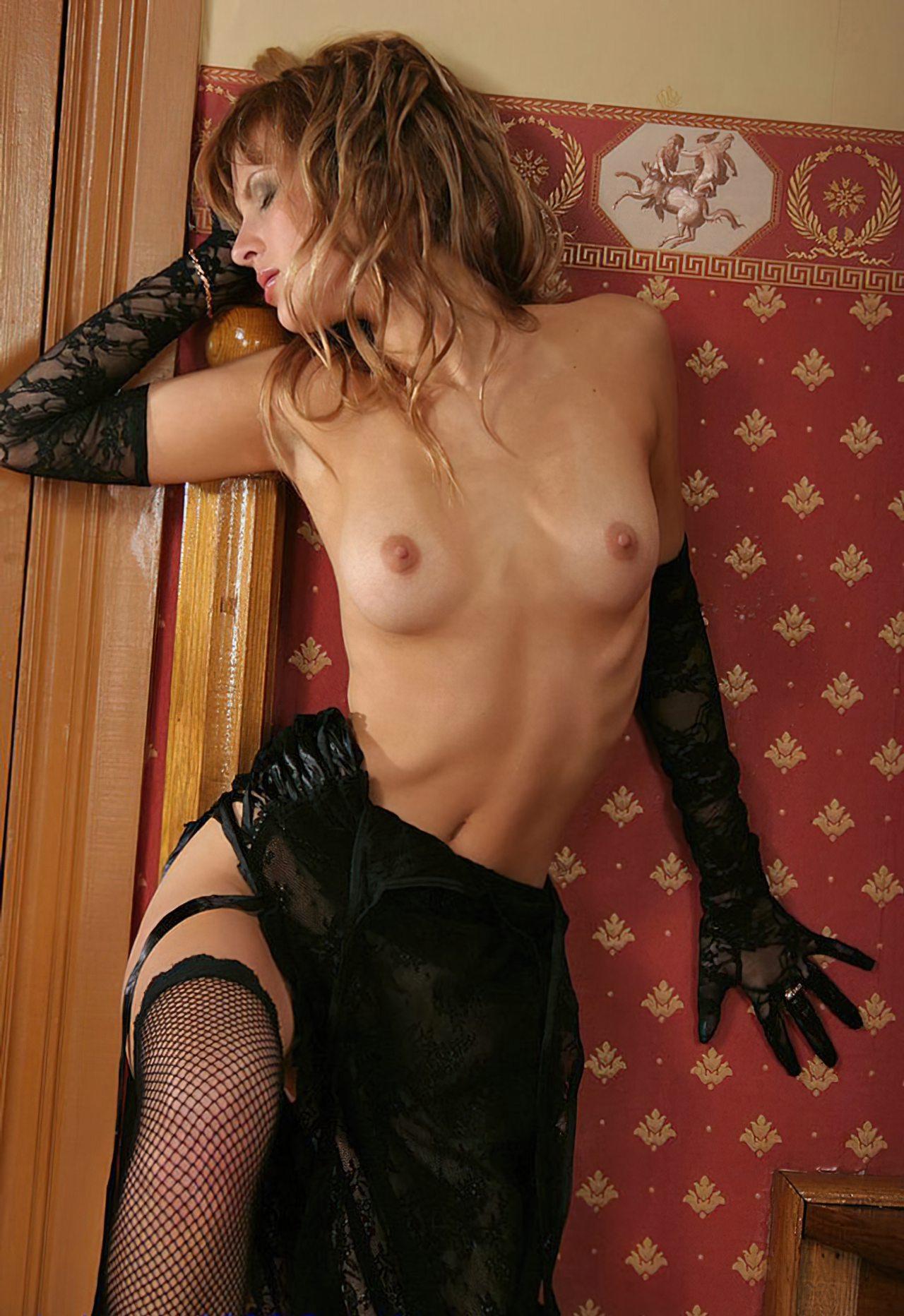 Nicole Sensual (47)