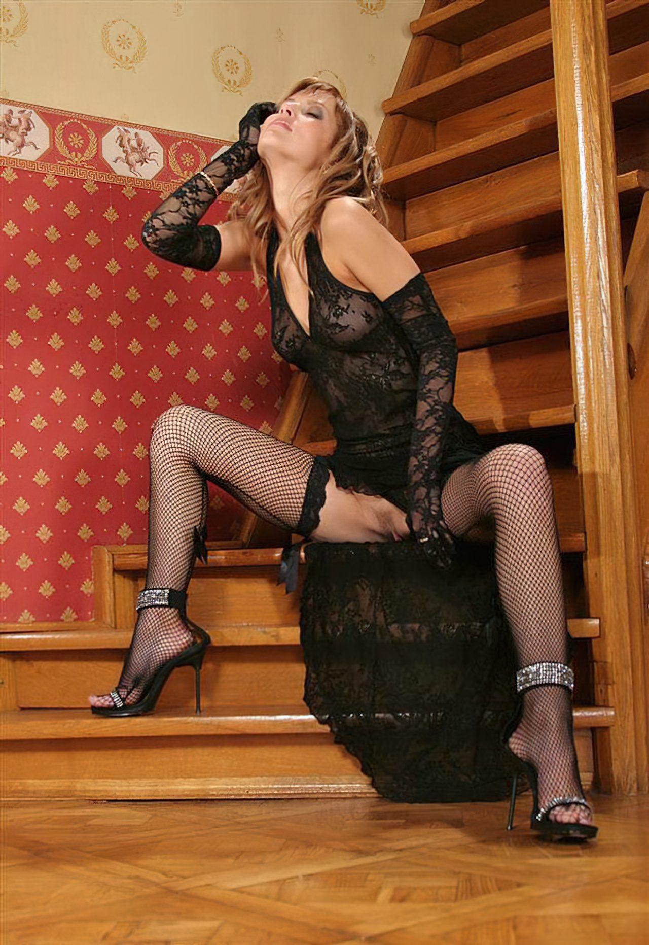 Nicole Sensual (6)