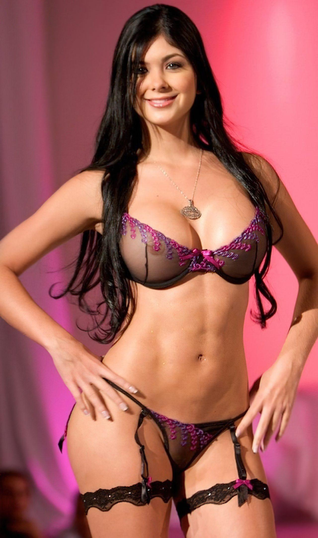 Camila Davalos