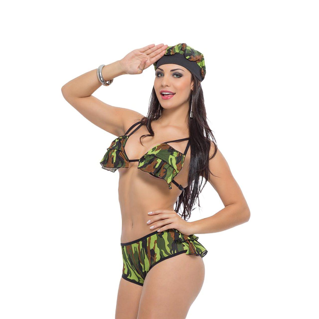 Aline Queyroz Nua (23)