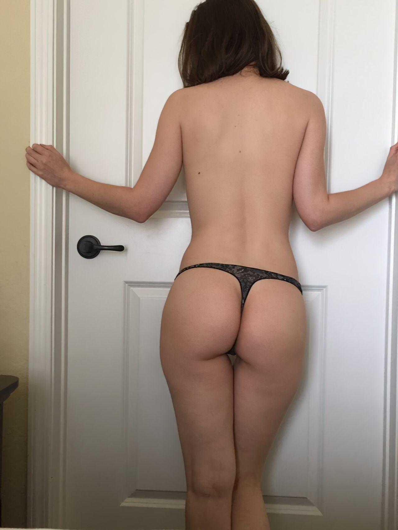 Amadora Se Masturbando no Quarto (1)