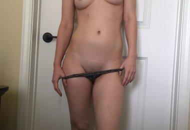 Amadora Se Masturbando no Quarto (3)