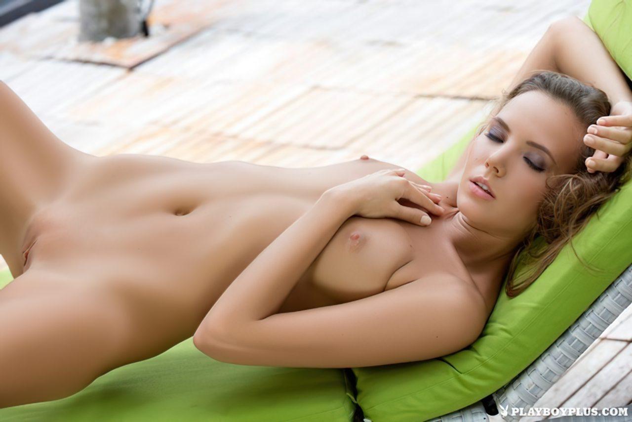 Katya Clover Nua (29)