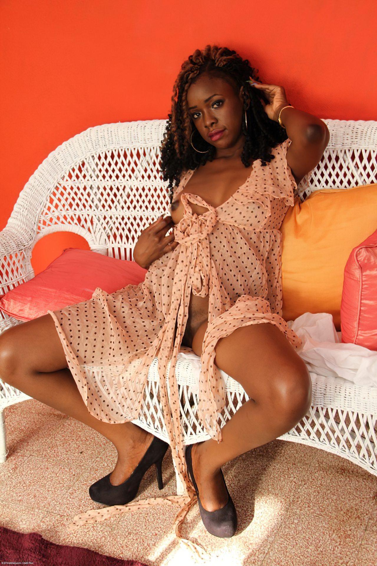 Negra Sexy Pelada (1)