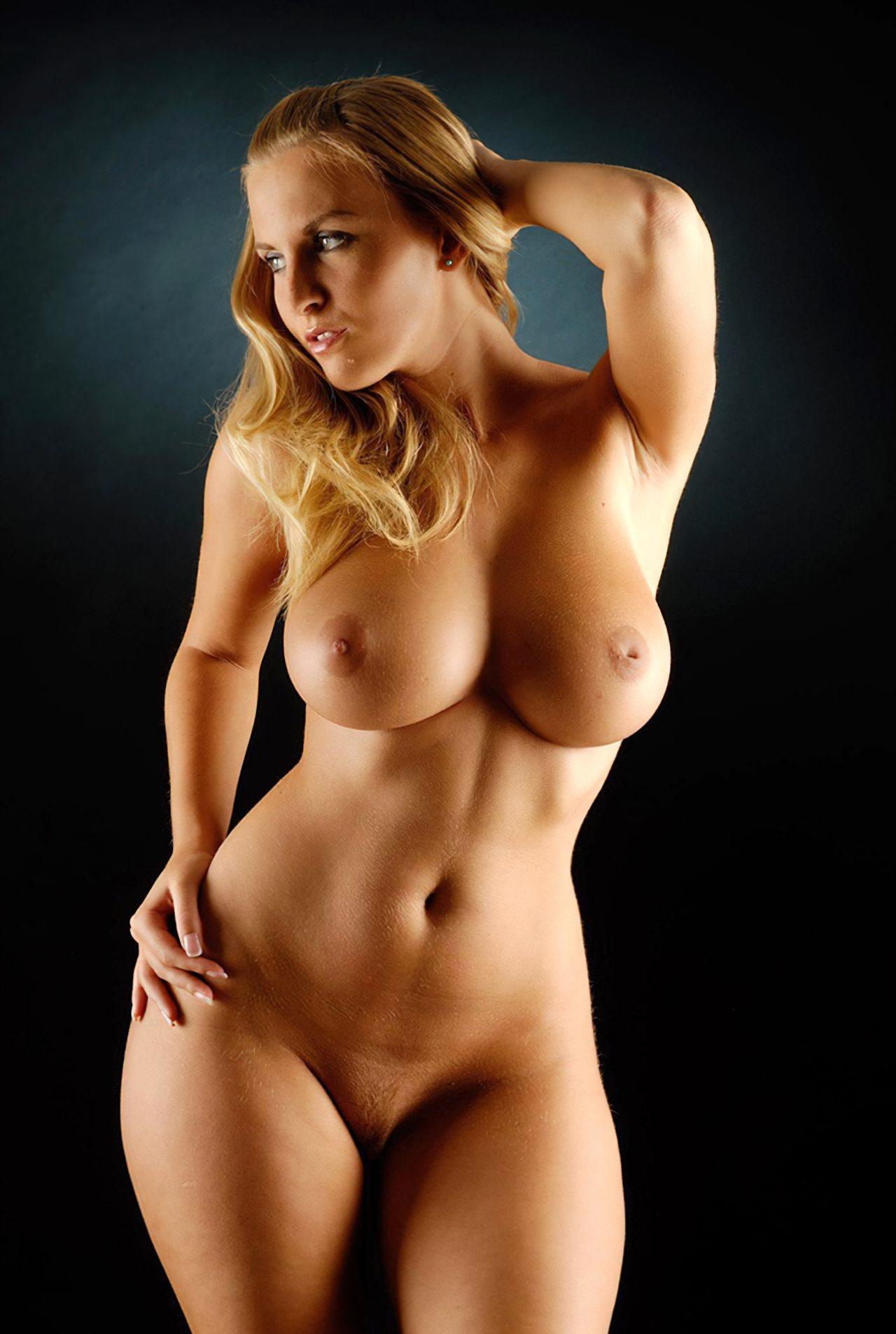Mulher Nua (1)