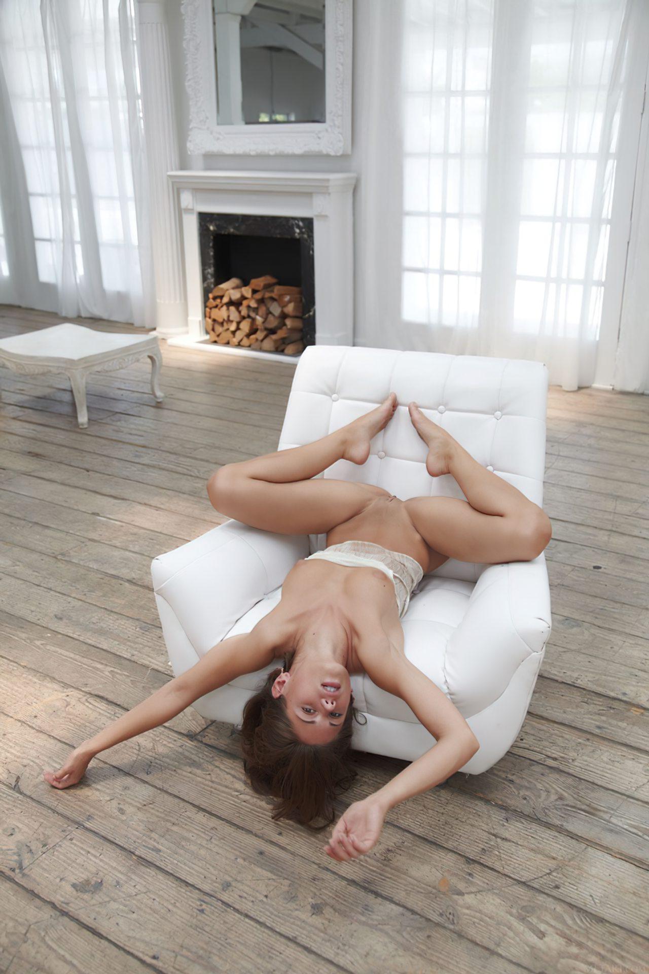 Gostosa Cadeirao Branco (9)