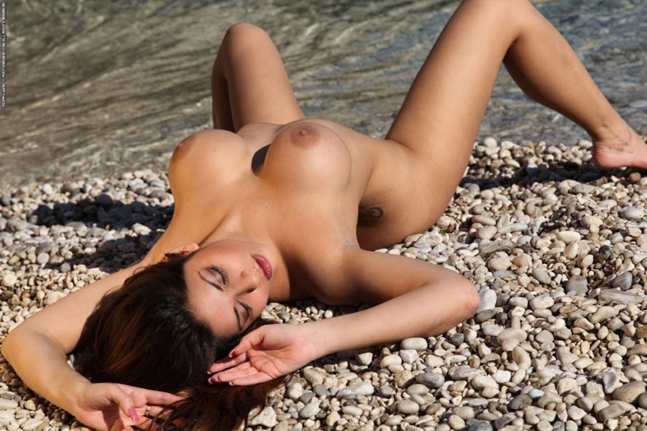 Krystal Webb (19)