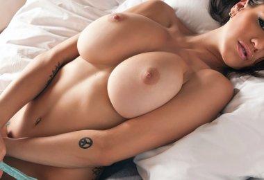 Tess Taylor Nua (1)