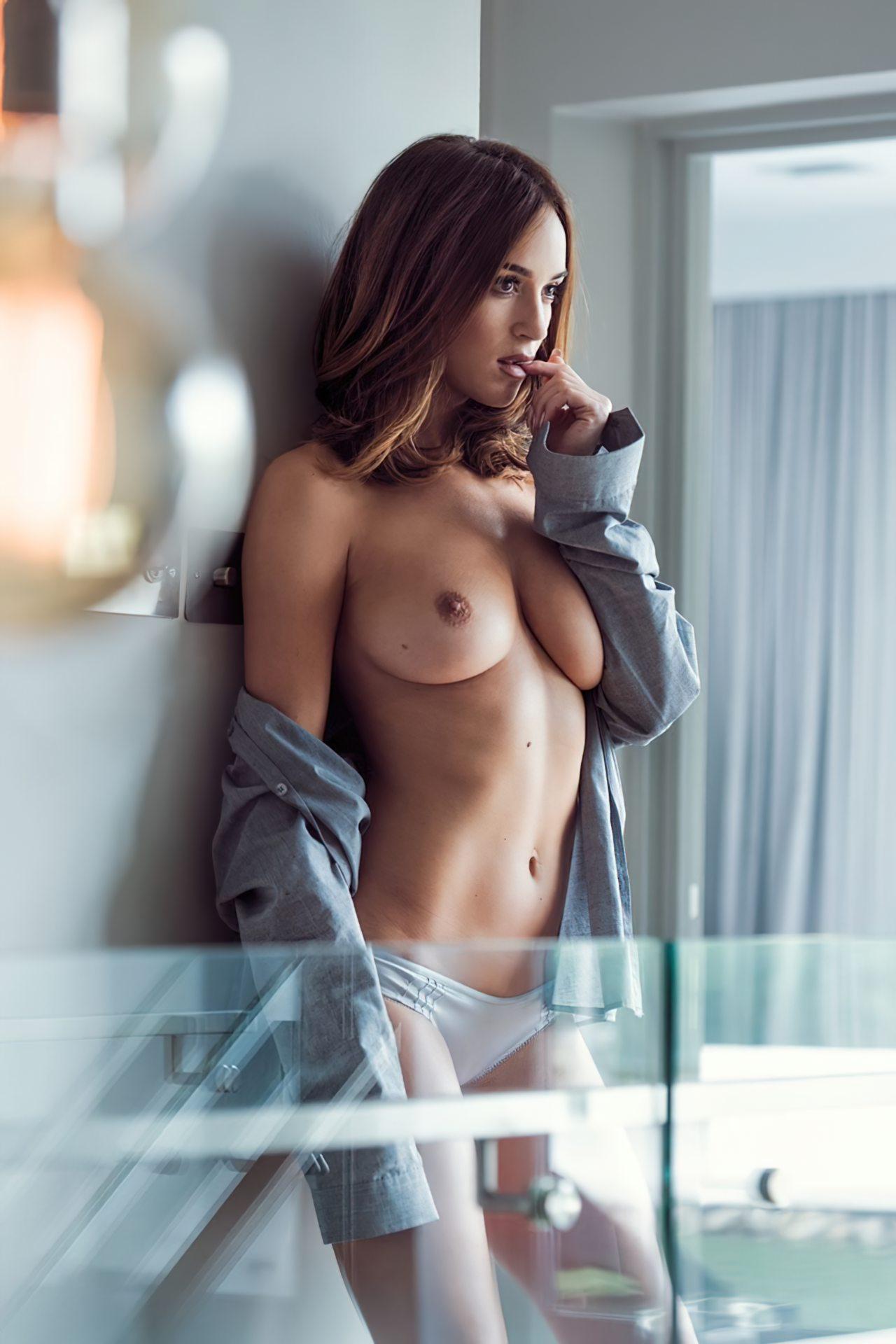 Rosie Jones (2)