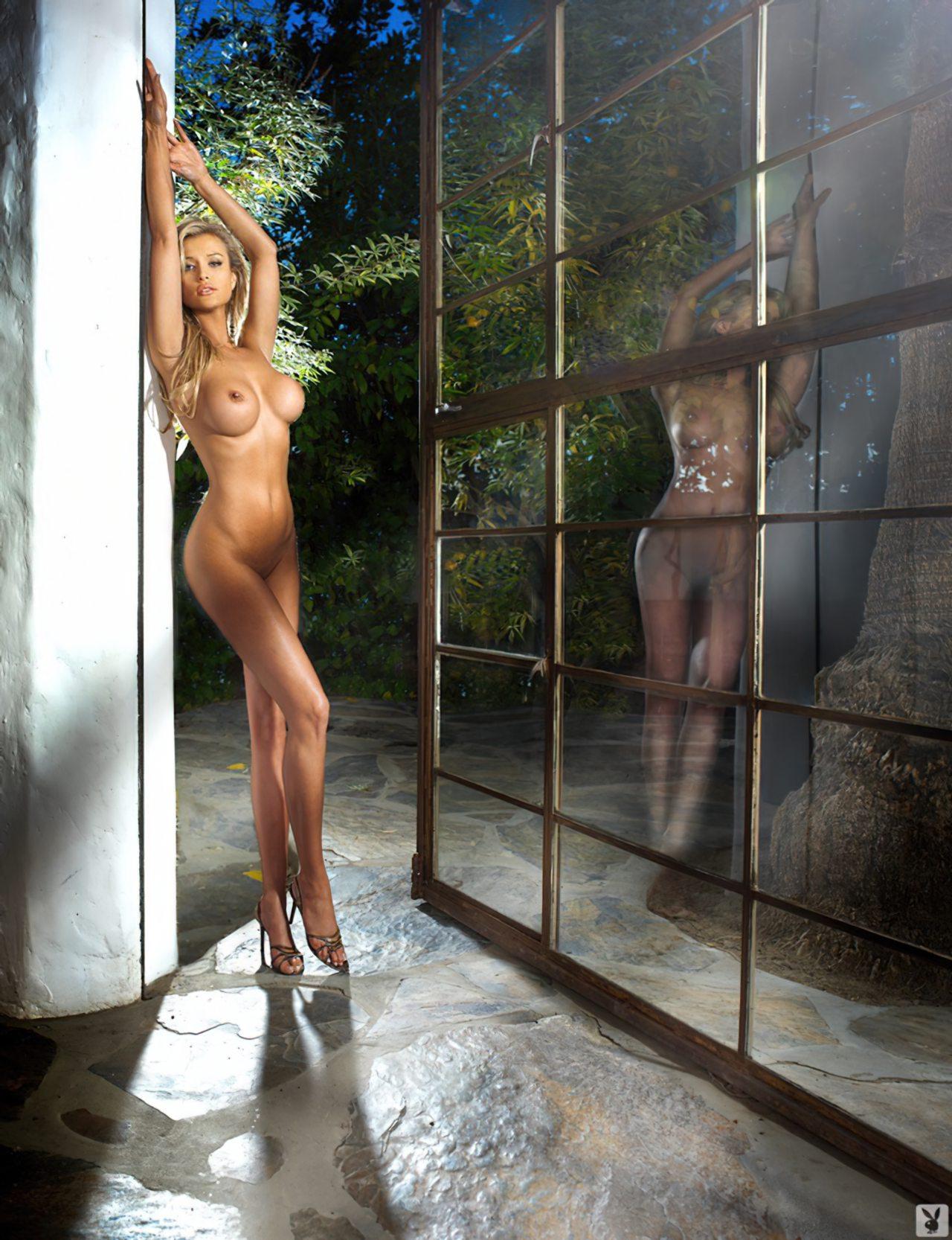 Joanna Krupa Nua (2)