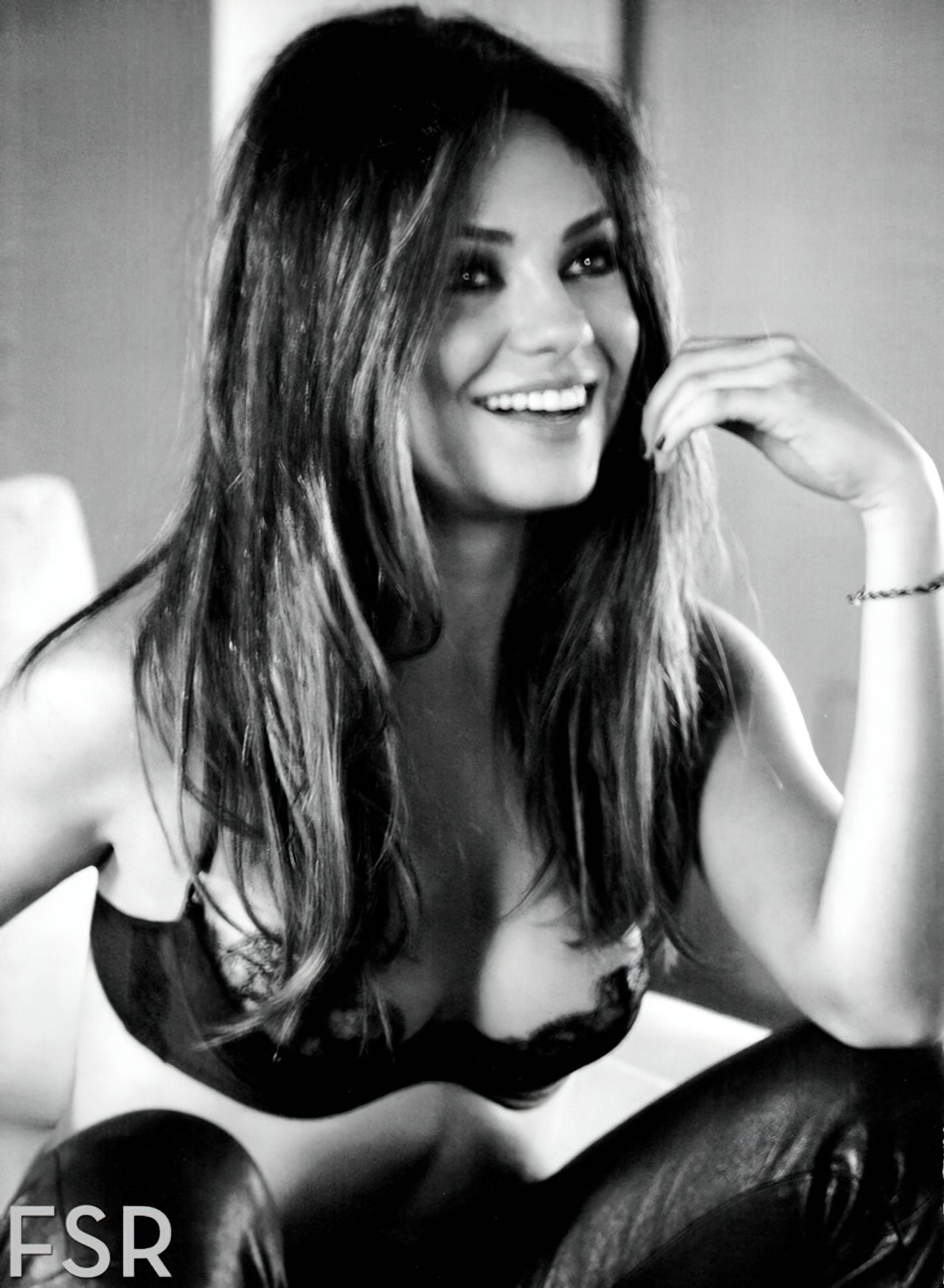 Mila Kunis (4)