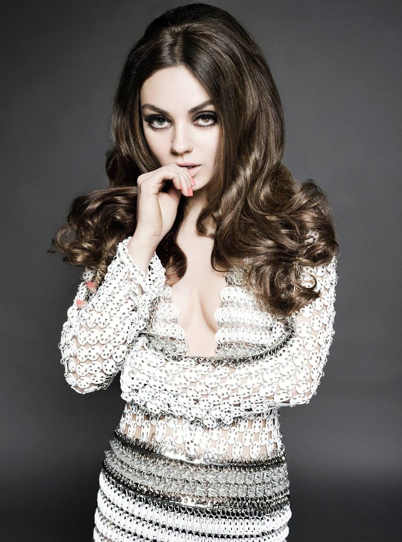 Mila Kunis (18)