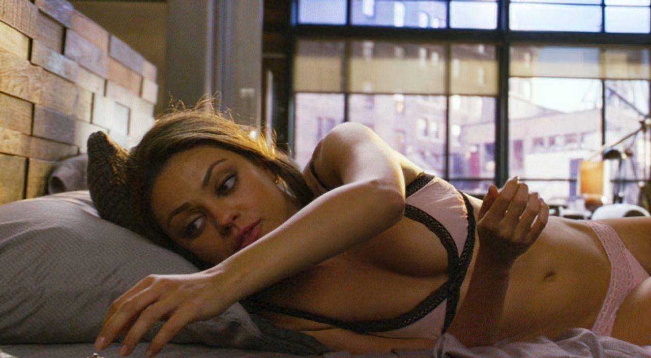 Mila Kunis (22)