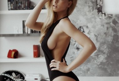 Sideboob
