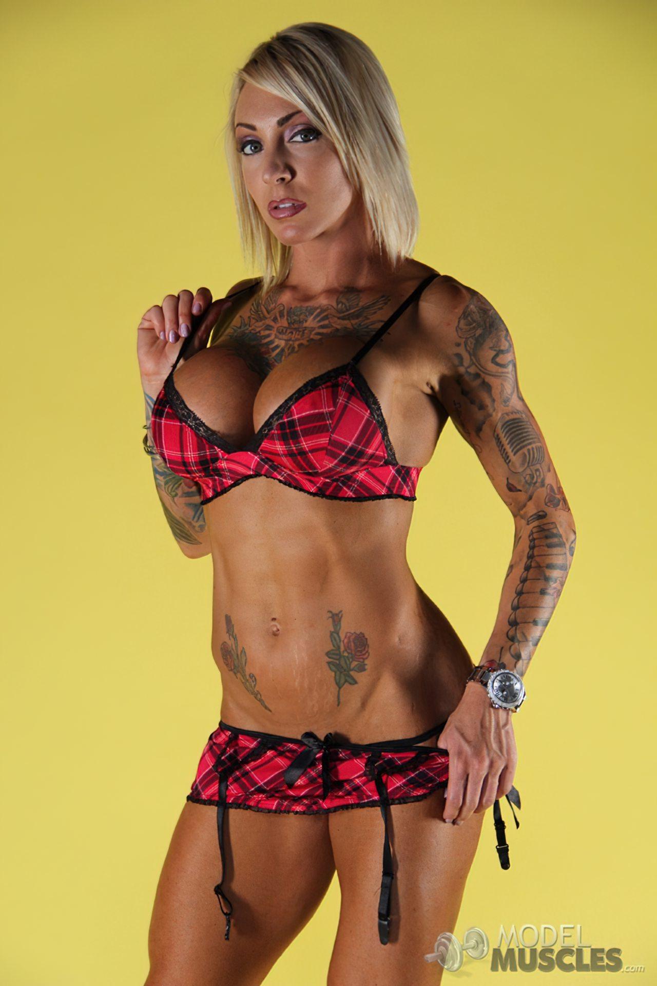 Mulher Sarada Tatuagens (1)