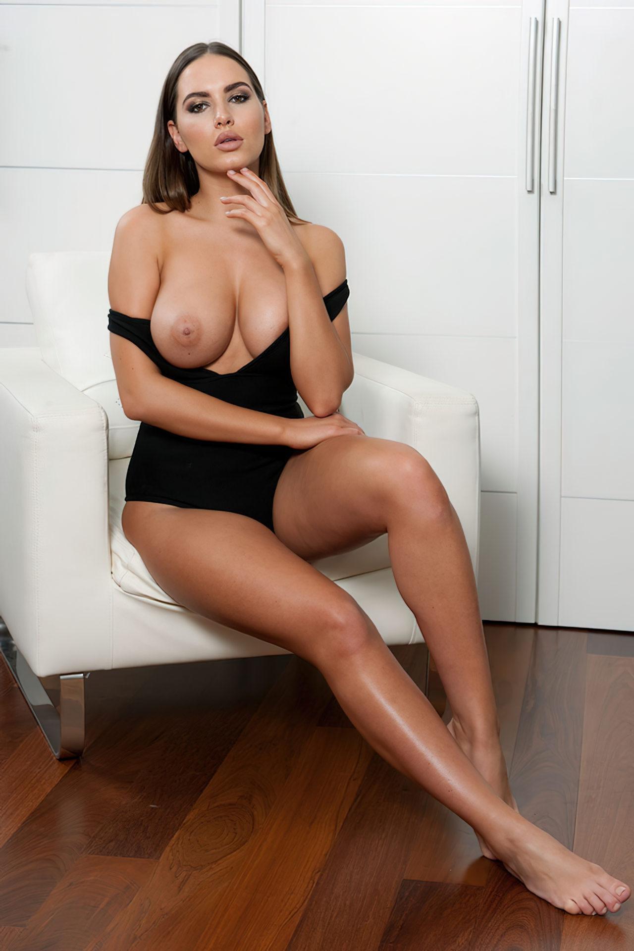 Sabine Jemeljanova Topless (2)