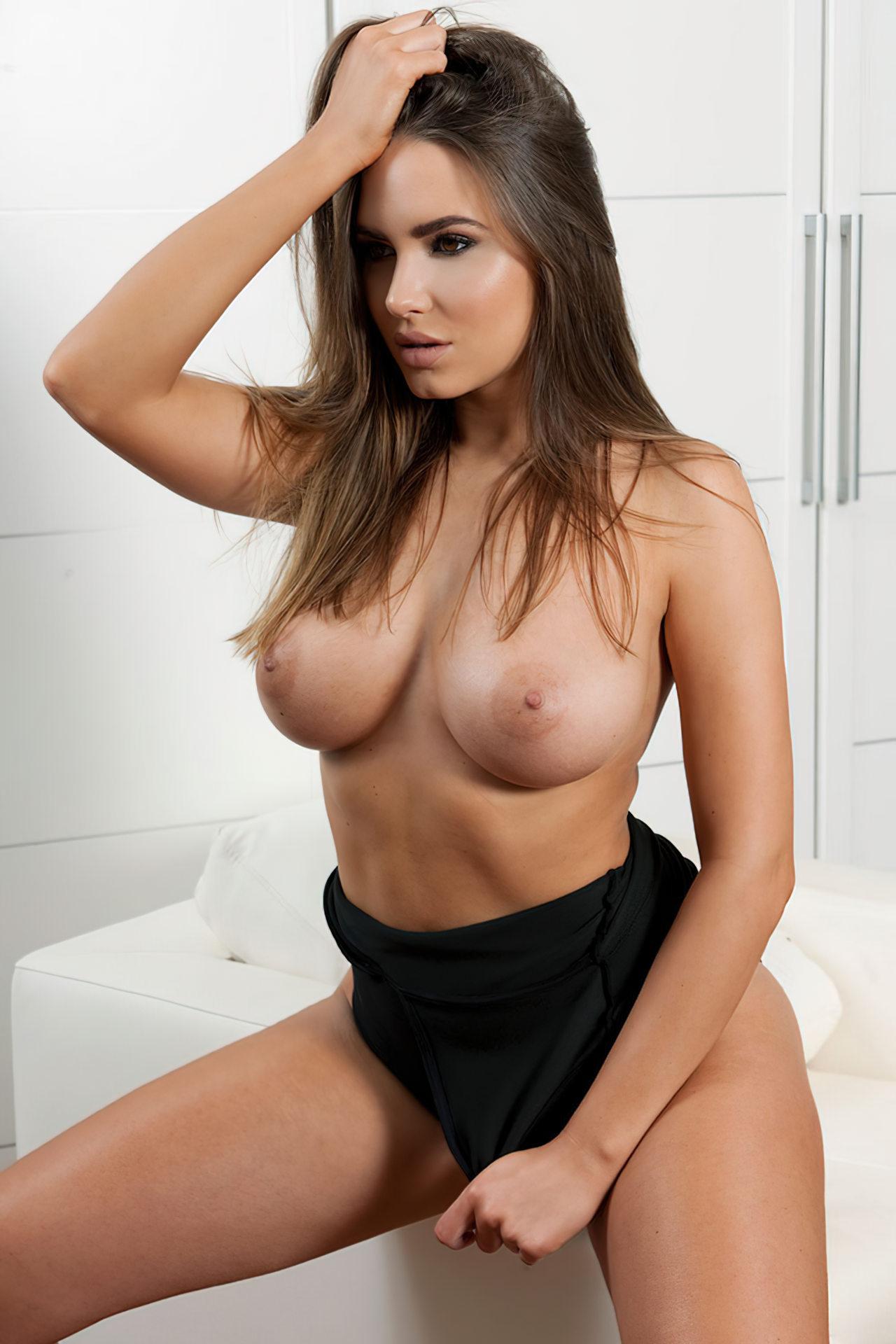 Sabine Jemeljanova Topless (4)