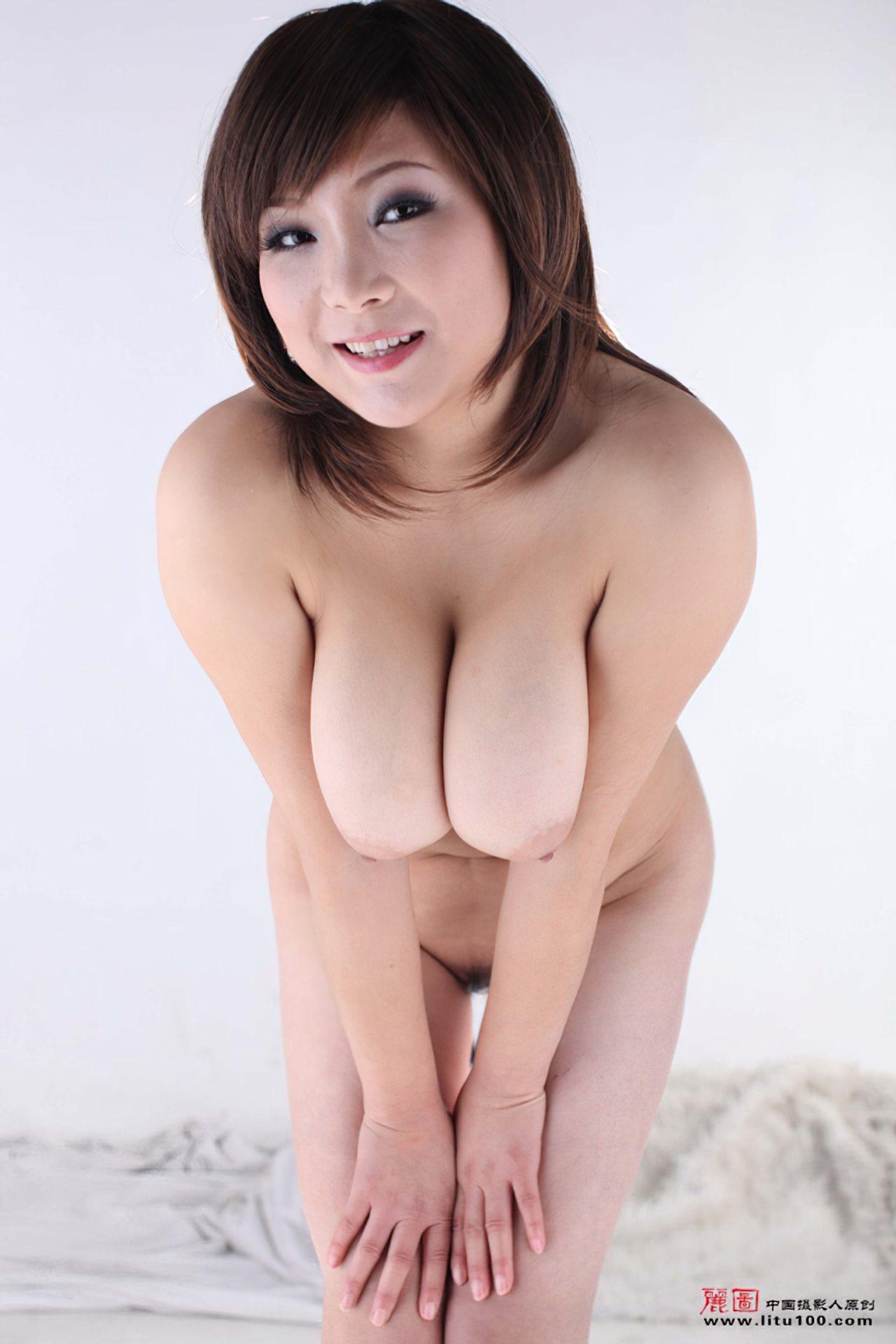 Mulheres Orientais Nuas (39)
