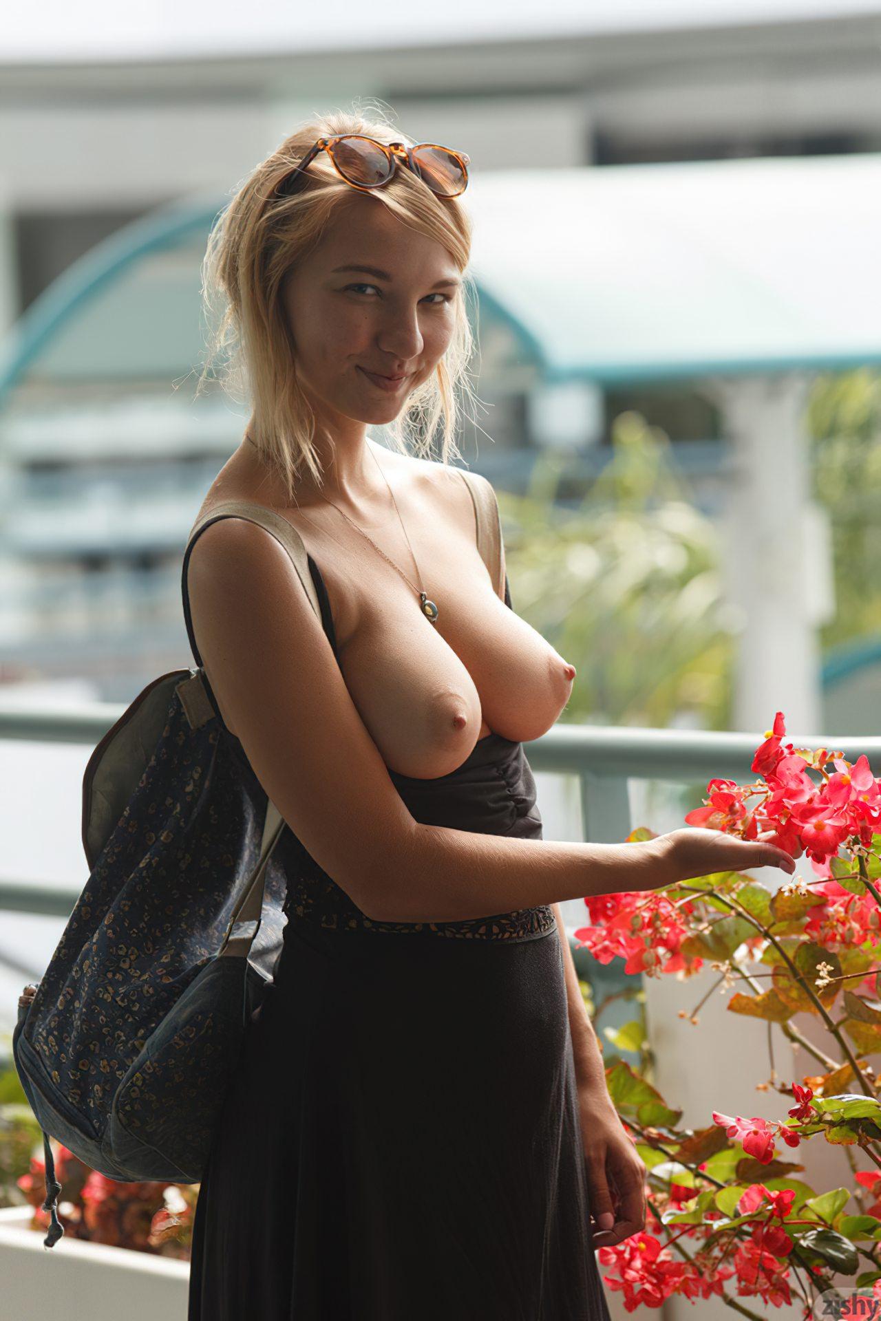 Lily Ivy Nua (74)