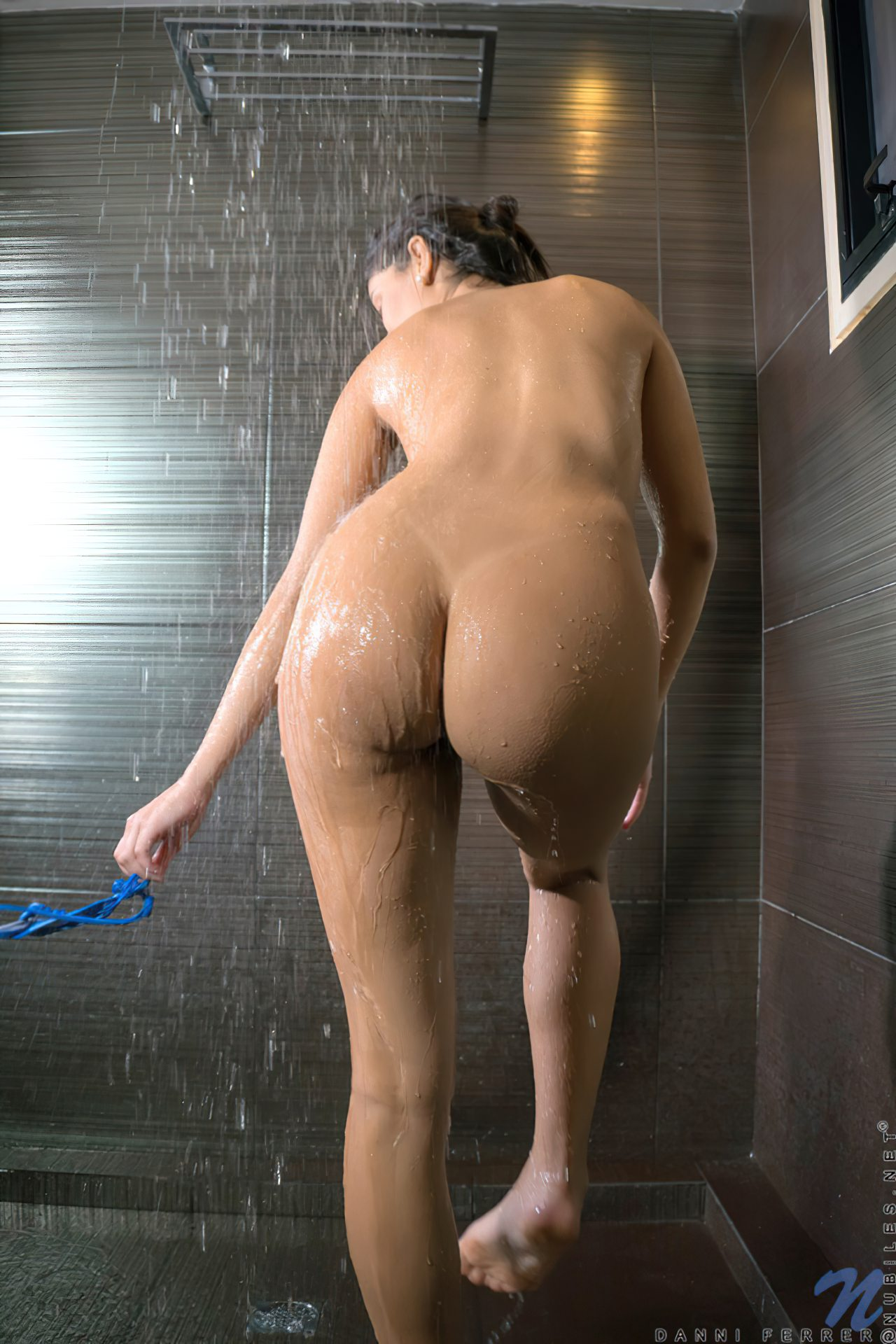 Mulher Linda Tomando Banho (6)